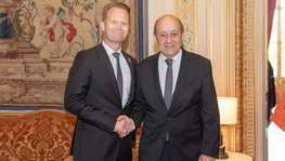 Meeting between Jean-Yves Le Drian and his Danish counterpart, Jeppe (...)